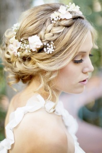 Flower-weaved-braids